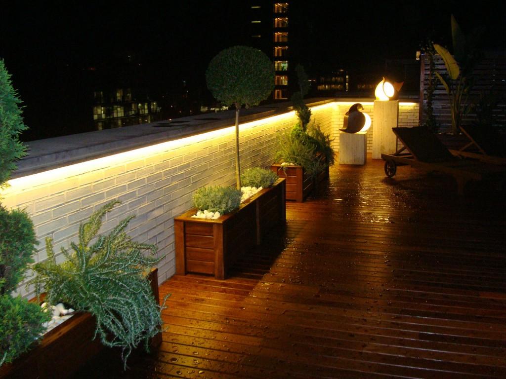 Diferencias leds 12v 3028smd y 5050smd for Luminarias para jardines exteriores